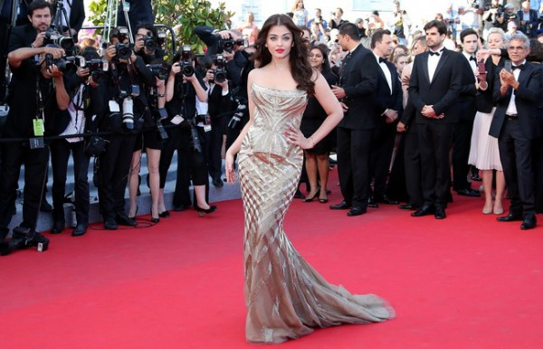 Aishwarya-Rai-Bachchan-at-Cannes-Film-Festival-2014-Is-Breathtaking7